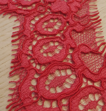 Red guipure lace trimming. Photo 2