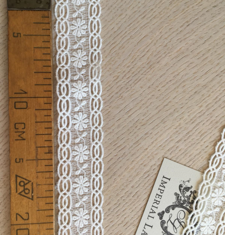 Ivory cotton lace trimming. Photo 9