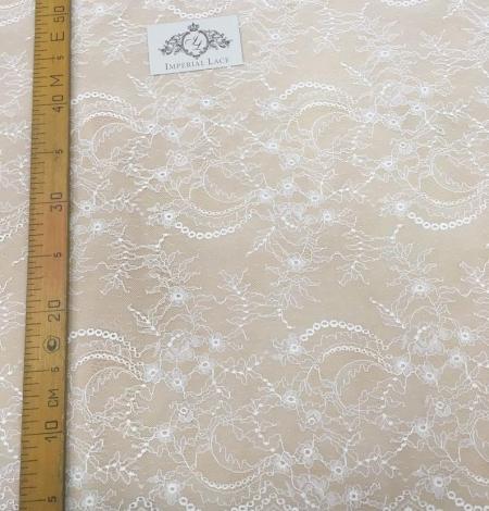 Ivory lace fabric. Photo 10