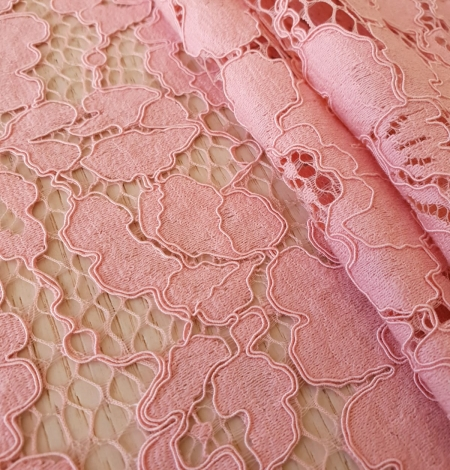 Pink floral guipure lace fabric. Photo 5