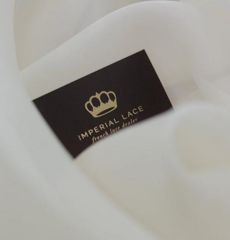 Ivory silk satin organza fabric . Photo 4