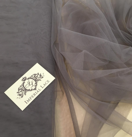 Soft grey tulle fabric with lilac shade. Photo 2