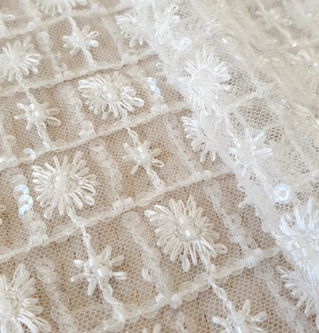 Ivory checkered floral beaded lace fabric. Photo 3