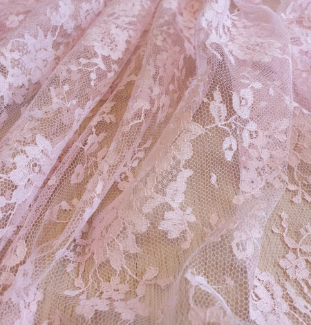 Pink cotton chantilly lace fabric. Photo 5