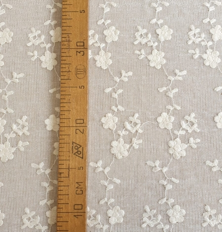 Ecru embroidery lace fabric. Photo 5