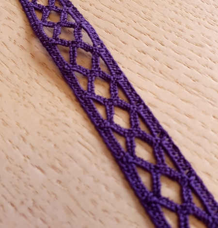 Dark lilac guipure lace trimming. Photo 1