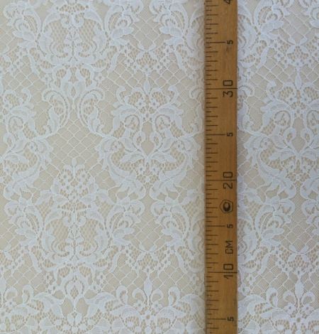 Ivory floral chantilly lace. Photo 4