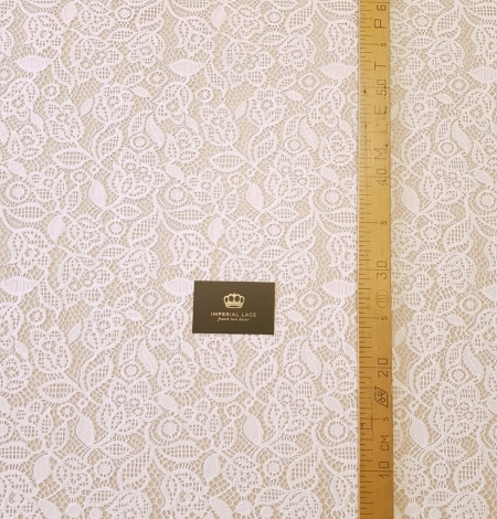 Snow white guipure floral pattern lace fabric. Photo 6