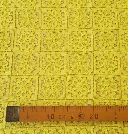 Yellow lace fabric. Photo 8