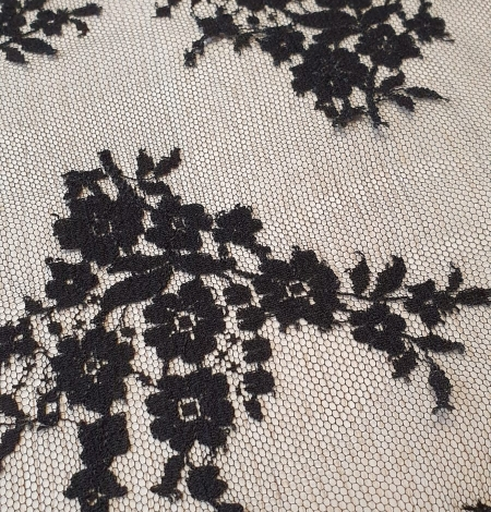 Black floral chantilly viscose lace fabric. Photo 5