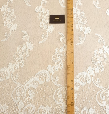 Ivory natural chantilly lace fabric. Photo 8