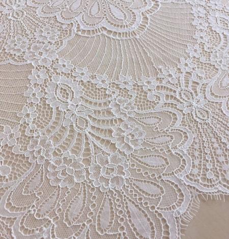 Ivory lace . Photo 2