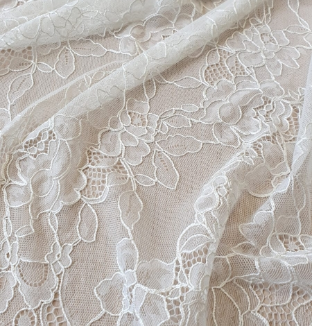 Ivory chantilly lace with thick thread lace fabric . Photo 7
