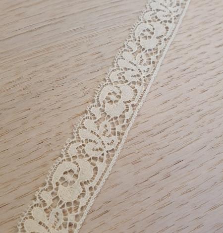 Ecru chantilly lace trimming. Photo 2
