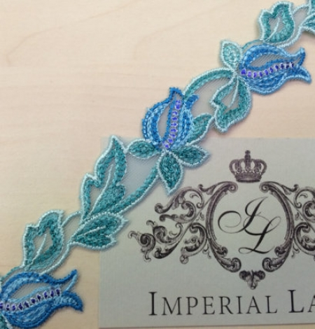 Blue with green lace trim. Photo 3