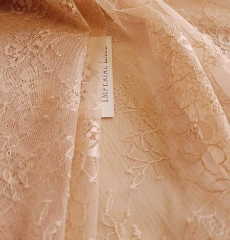 Nude with powder shade chantilly lace fabric. Photo 6