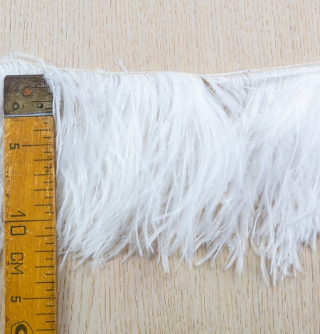 Off white soft natural ostrich feather. Photo 7