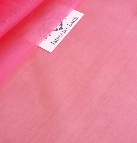 Pink tulle fabric. Photo 1