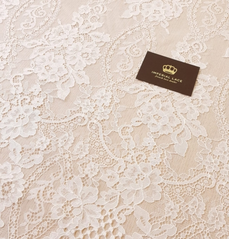 Ivory chantilly lace fabric. Photo 6