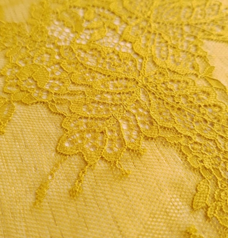 Mustard lace fabric. Photo 7