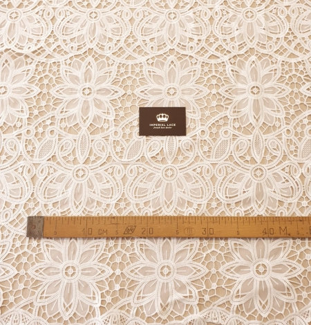 Off white macrame floral pattern with fabric details lace fabric. Photo 6