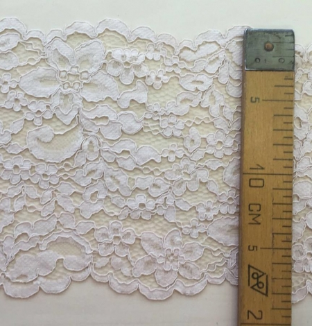 Nude Lace Trim. Photo 5