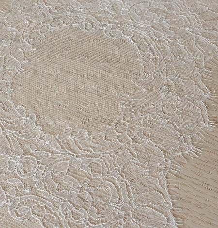 Ivory chantilly lace trimming from France. Photo 8