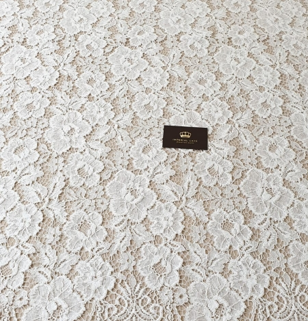 Ivory floral pattern guipure lace fabric. Photo 8