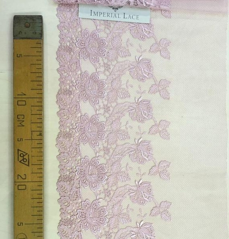 Old rose lace trim. Photo 4