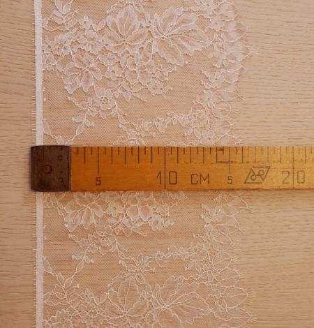 Light pink white romantic chantilly lace trimming. Photo 8