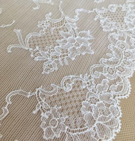 White elastic lingerie lace trim. Photo 3