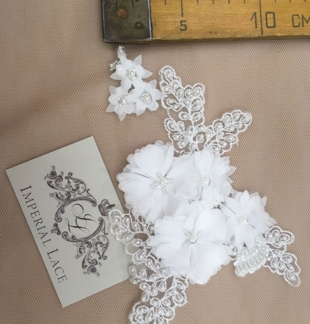 White with beaded and fabric flowers embroidery applique. Photo 4
