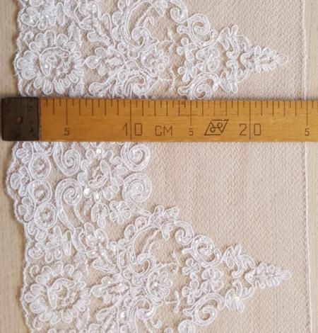 White Alencon lace fabric. Photo 6