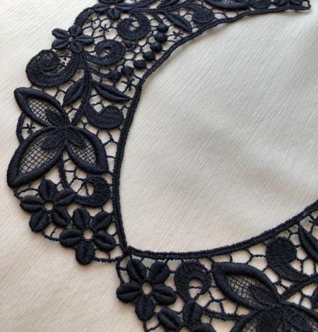 Black collar lace . Photo 1