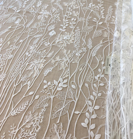 Ivory embroidery lace fabric. Photo 5