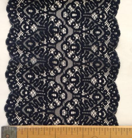 Black lace trim. Photo 3
