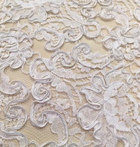 Bright white Lace Trim. Photo 3