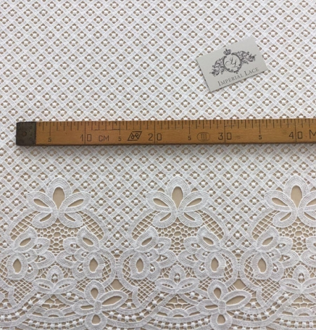 Ivory guipure lace fabric. Photo 5