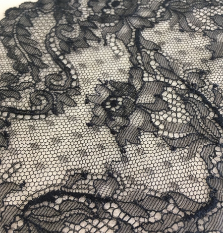 Black elastic lace trim. Photo 7