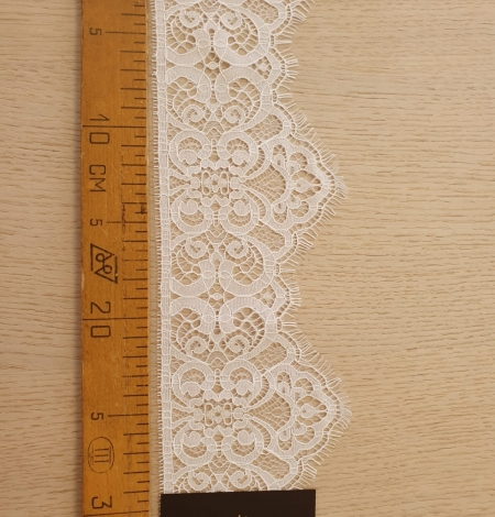 Snow white guipure lace trimming. Photo 8