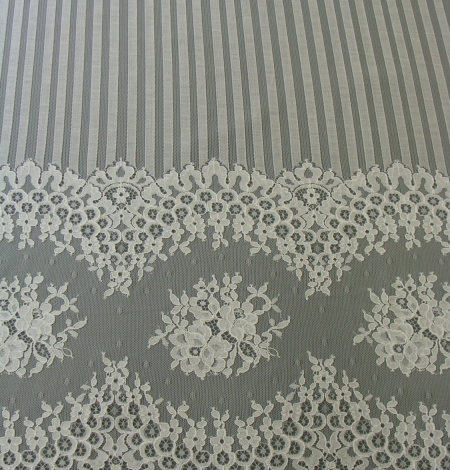 Off-white lace fabric 150 width. Photo 2