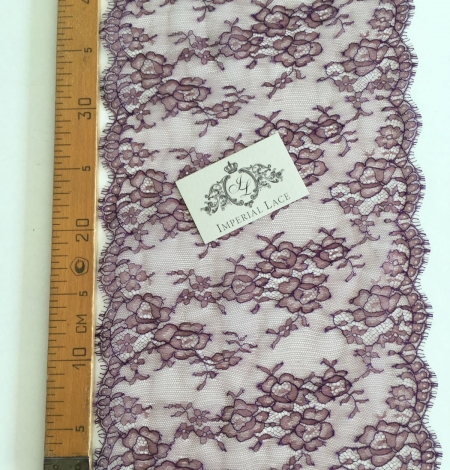 Cordovan with lilac thread lace trim. Photo 5