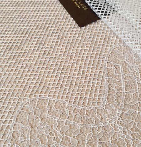 Ivory cotton chantilly lace fabric by Jean Bracq. Photo 2