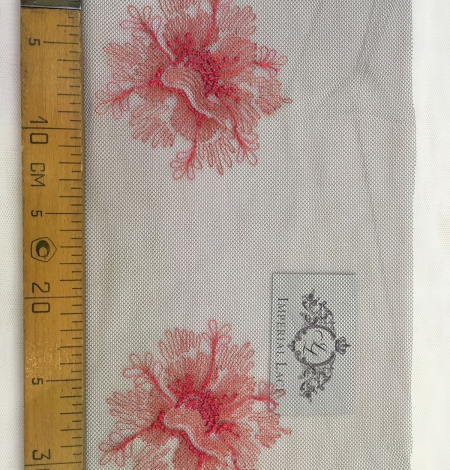 Pink embroidery on tulle Chantilly Lace. Photo 4