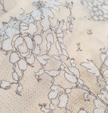 Grey natural chantilly lace fabric by Jean Bracq. Photo 4
