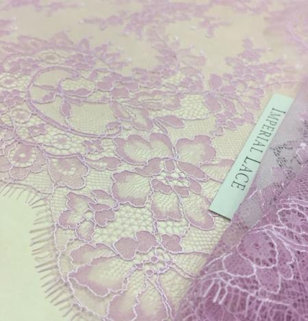 Violet lace trim. Photo 3