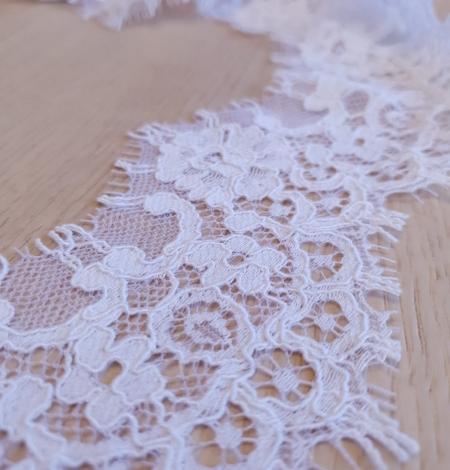 White guipure lace trim . Photo 5