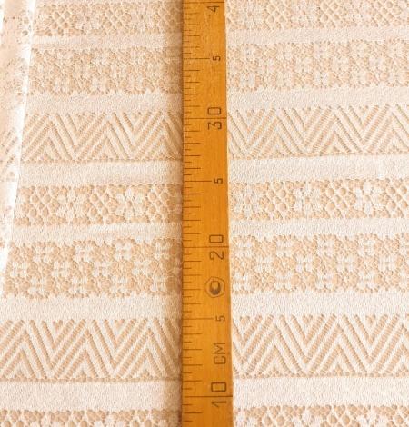 Ivory viscose chantilly lace fabric. Photo 7