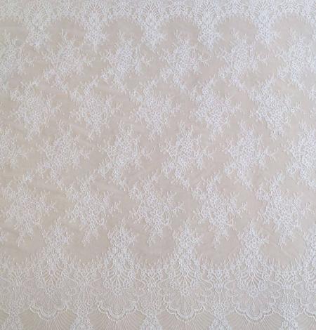 Ivory lace . Photo 3