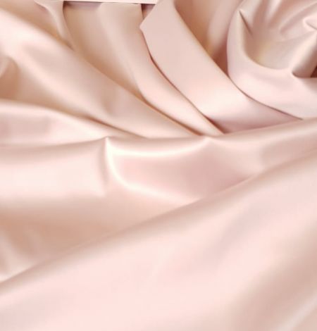 Powder pink satin fabric. Photo 1